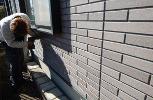 窯業系サイディングの目地割れに悩んでいた家外壁補強 サイディング専用ビスにてビス止め